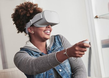 Oculus Go Being Used By Woman