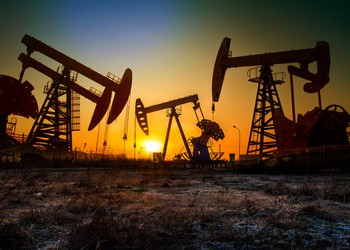 Oil Drilling Rigs In Plains