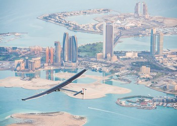 RTW_Solar_Impulse_2_is_flying_over_Abu_Dhabi_(UAE)_undertaking_preparation_flights_for_the_first_ever_Round-The-World_Solar_Flight_which_will_be_attempted_starting_early_March_from_Abu_Dhabi_26.02.2015