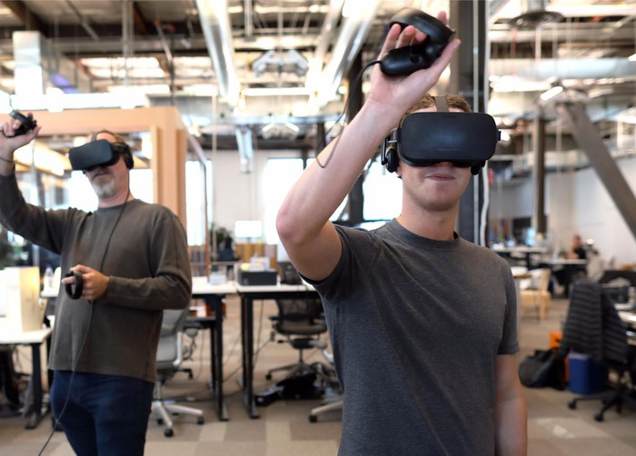 Mark Zuckerberg trying virtual reality