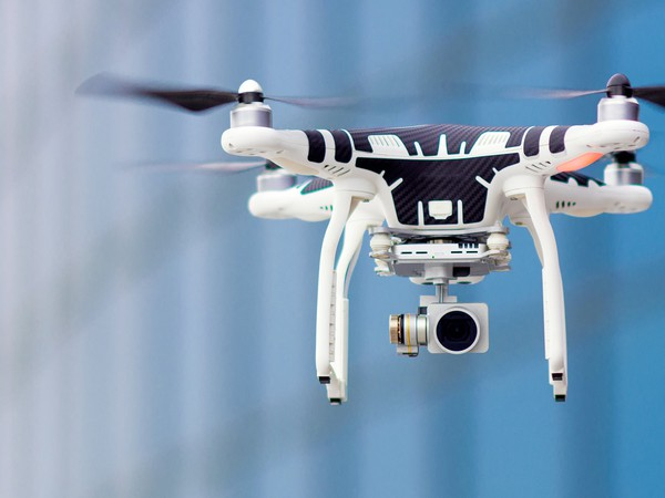 Drones-GettyImages-511065858