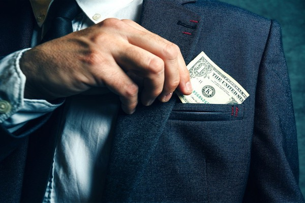 AIG buying Validus Holdings