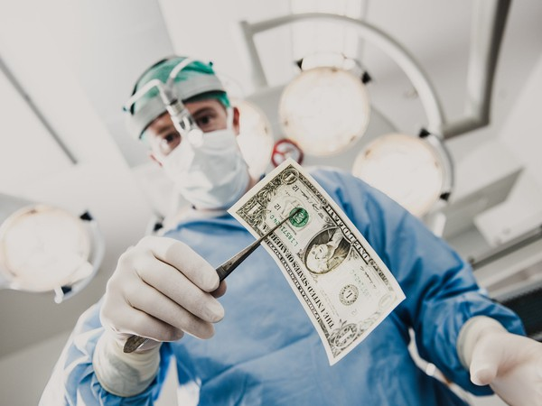 Healthcare Investing Retirement Surgeon Cash Getty