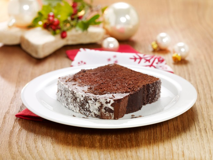 A slice of Starbucks gingerbread cake.