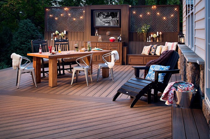 An outdoor deck featuring Trex decking.