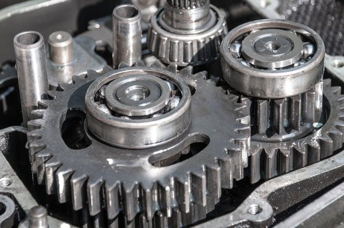 Vehicle drivetrain components