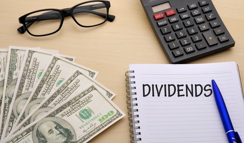 Dividends 2 GettyImages-540215536