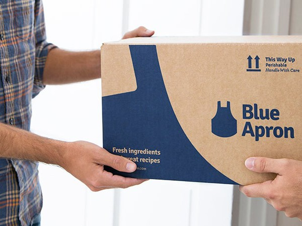 blue apron meal kit delivery box source-aprn