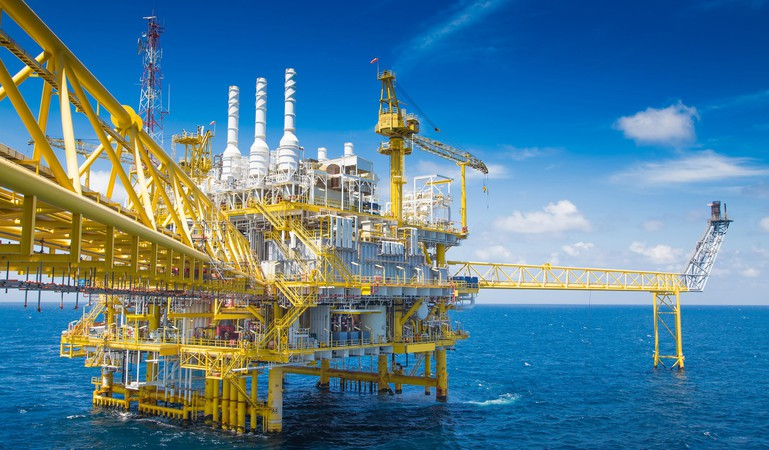 offshore rigs GettyImages-515446082
