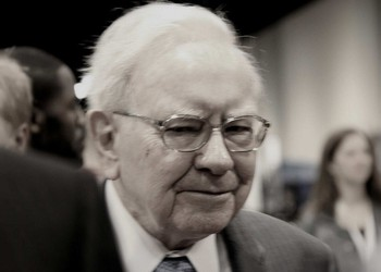 Warren Buffett losing to the market