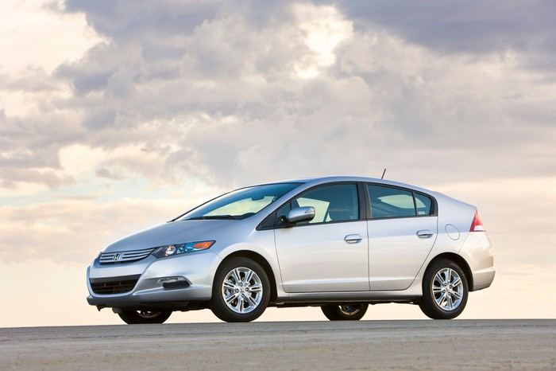 A 2010 Honda Insight hatchback.