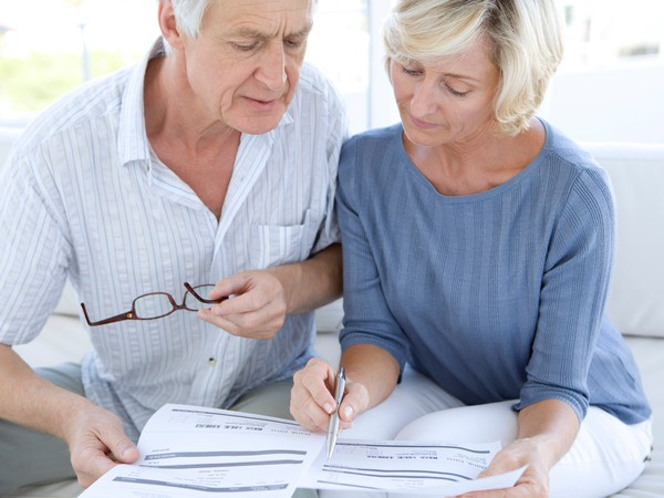 seniors worried about bills_GettyImages-138173092