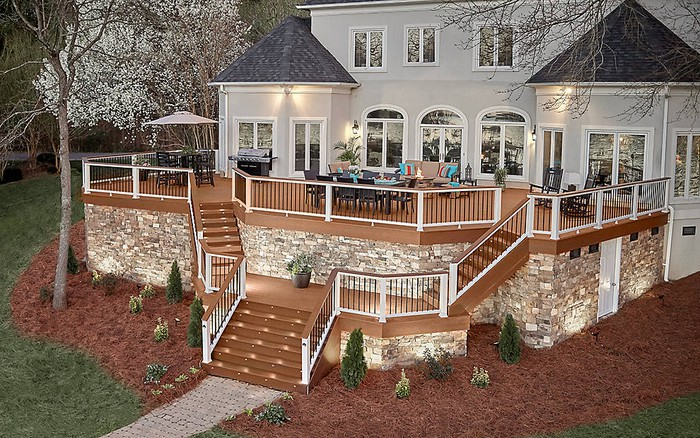 A home with a multi-level Trex deck.