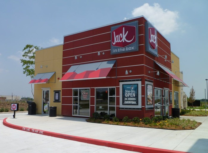 A Jack in the Box restaurant viewed from outside.