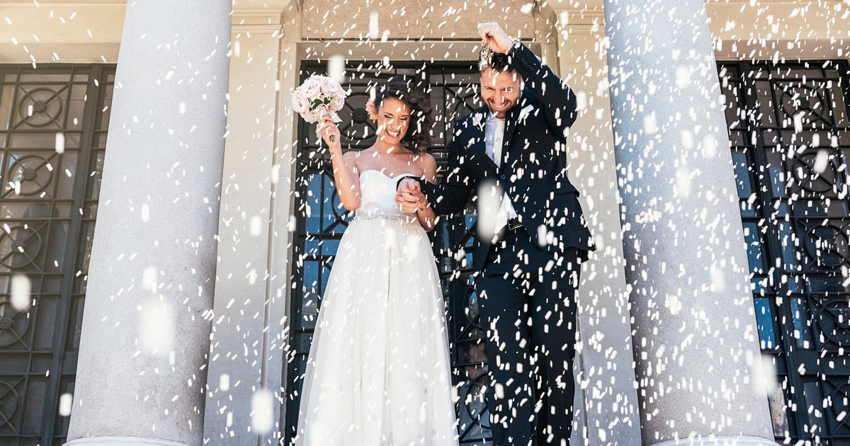 Here's How Much the Average Wedding Costs -- Though You Can