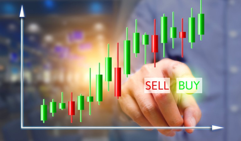 buy button with chart GettyImages-647328382