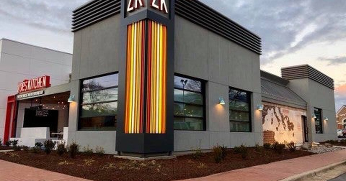 zoes kitchen gets punished for underperforming the restaurant industry the motley fool - Zoes Kitchen Okc