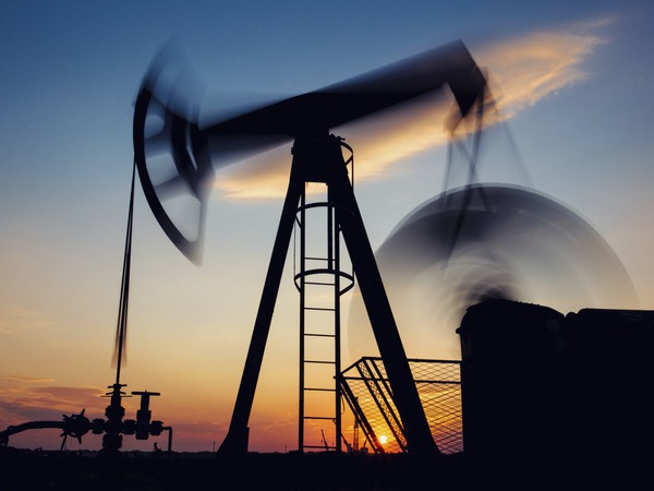 oil or gas pumjack in motion