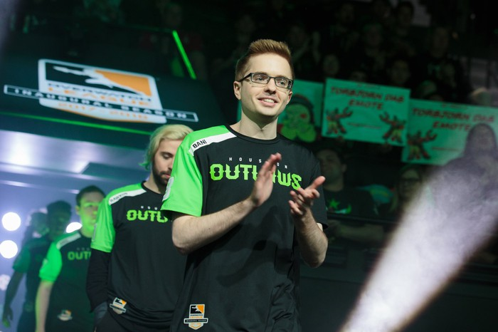 Overwatch League team Houston Outlaws entering Blizzard arena.
