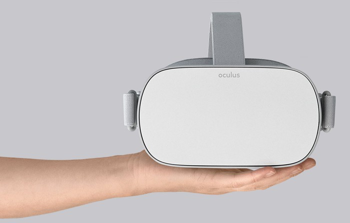 Oculus Go in a person's hand