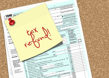 tax refund post it_GettyImages-504123270