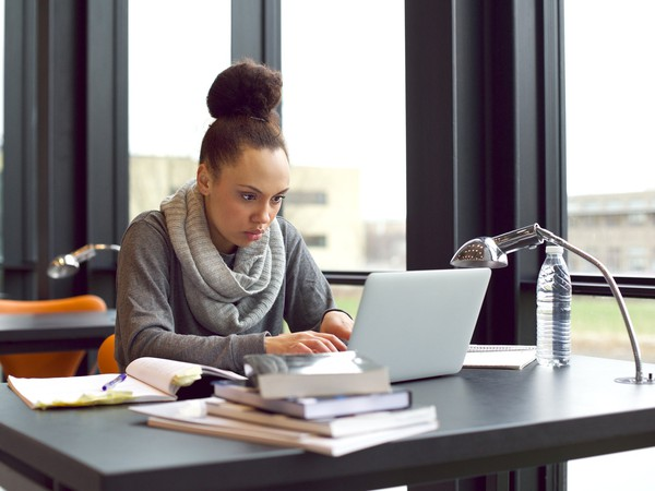 college student studying_GettyImages-492548403