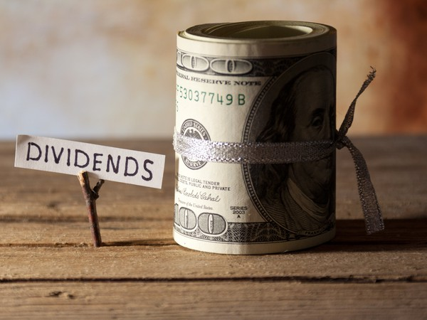 Dividends-GettyImages-184030710