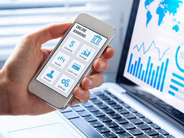 online banking app on mobile phone_GettyImages-654378978