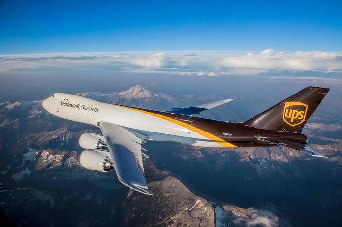 A UPS plane.