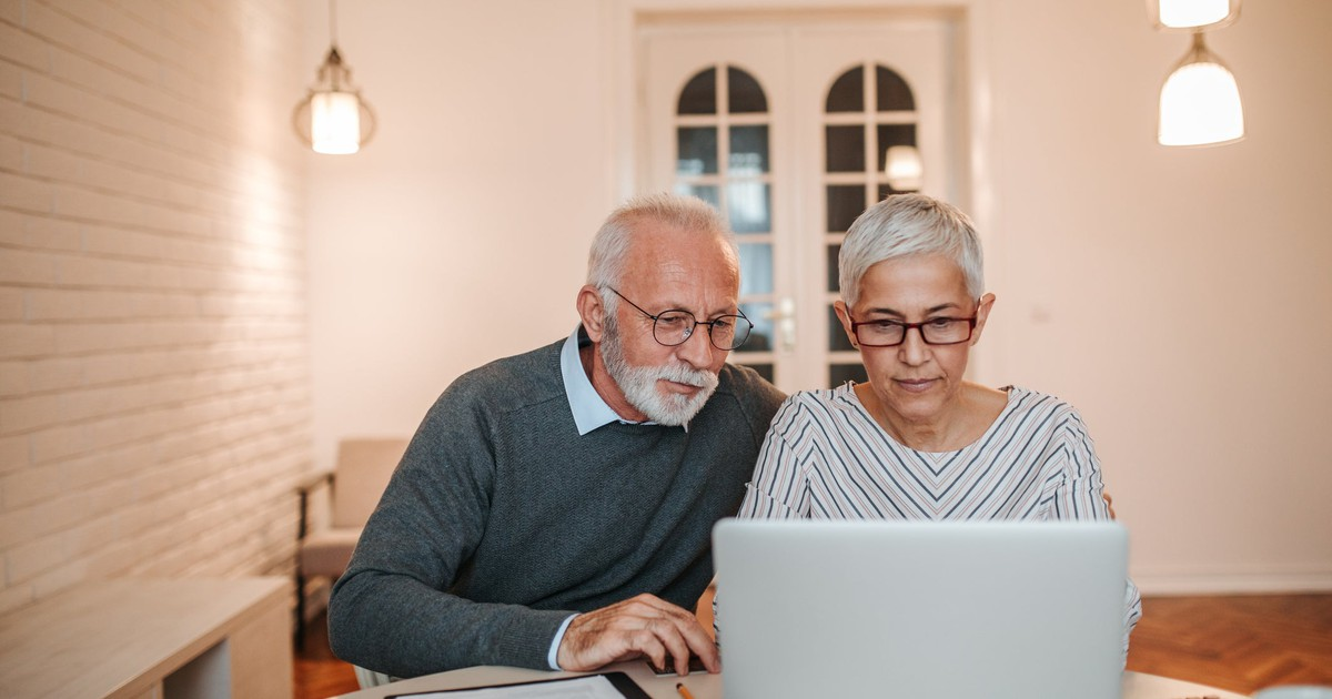 3 Smart Financial Habits to Get Into During Retirement