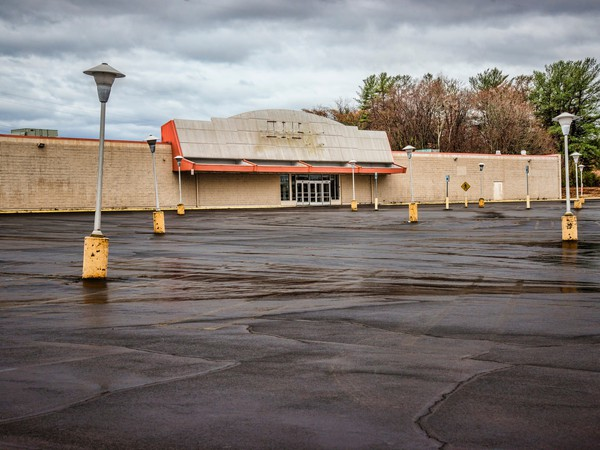 abandoned store mall sears getty