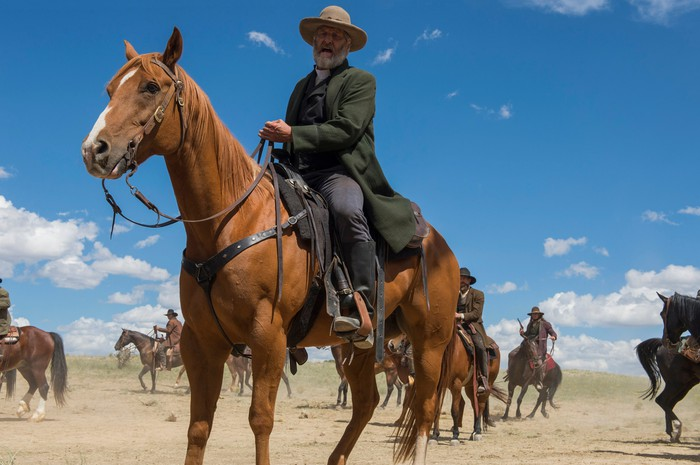 Jeff Daniels on horseback in a scene from Netflix's Godless.