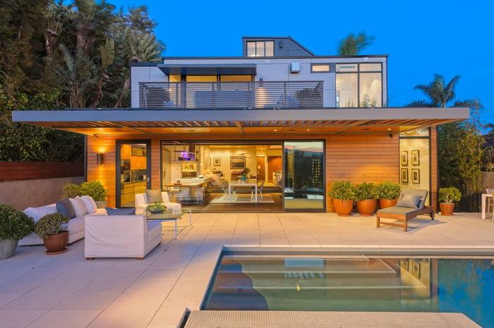 Modern home built by Plant Prefab.