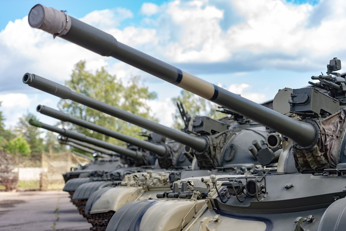 Row of Russian tanks pointing west.