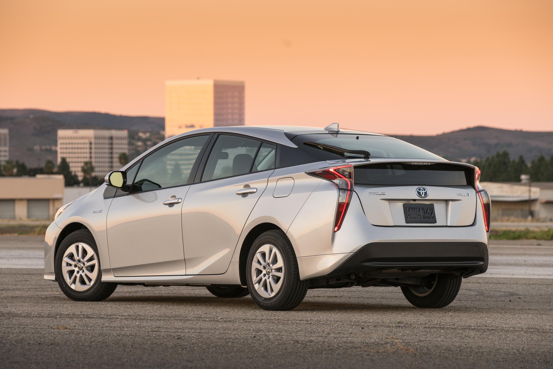 A 2018 Toyota Prius, a compact gasoline–electric hybrid sedan.