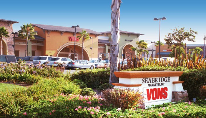 Outdoor retail shopping center with Seabridge Vons sign in front