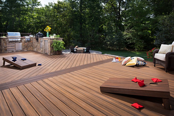 Trex deck with built-in barbeque.