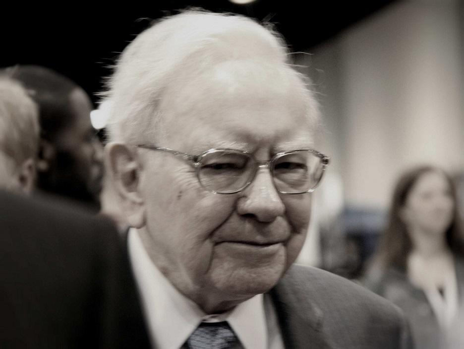 Warren Buffett at a shareholders meeting.