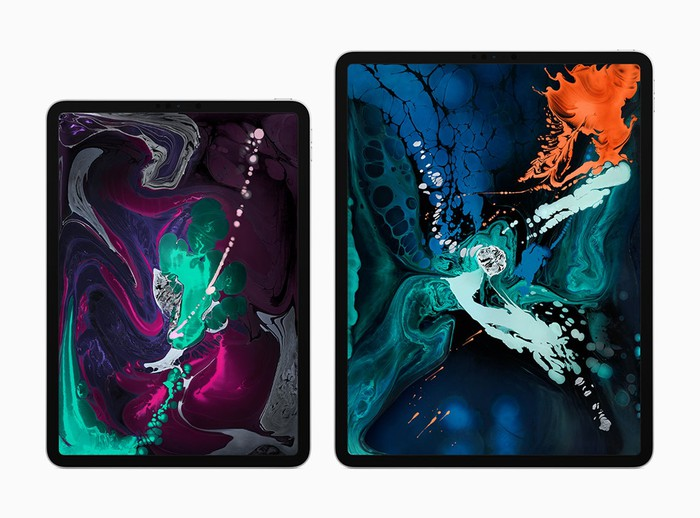 Apple's 11-inch and 12.9-inch iPad Pros side-by-side.