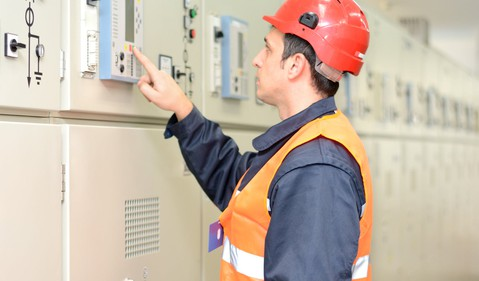 18_09_20 A man checking on electric industrial equipment_GettyImages-661841412