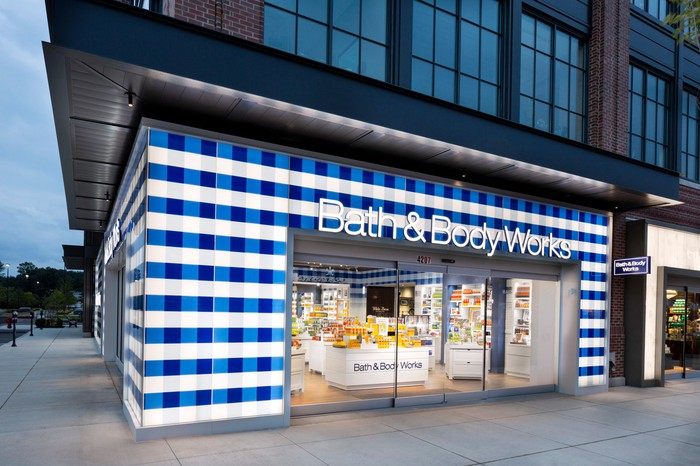 Bath & Body Works corner store from outside.