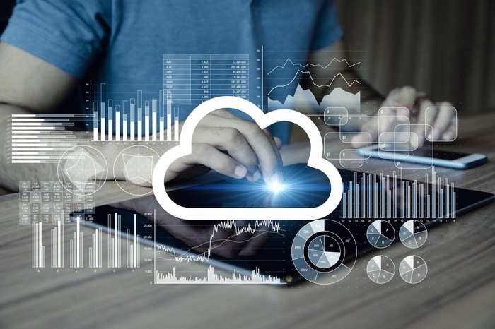 Illustration of a mobile device being powered by the cloud