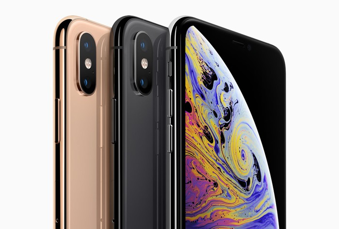 iPhone XS in different colors