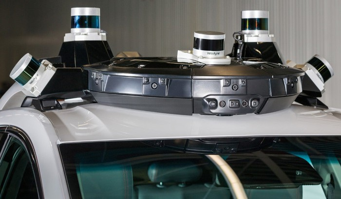 Driverless vehicle sensors and technology on roof of GM's Cruise.