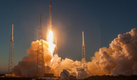 spacex dscover satellite deep space orbit source-spacex