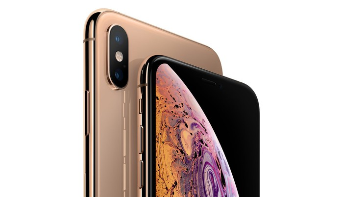 Gold iPhone XS and XS Max back to back