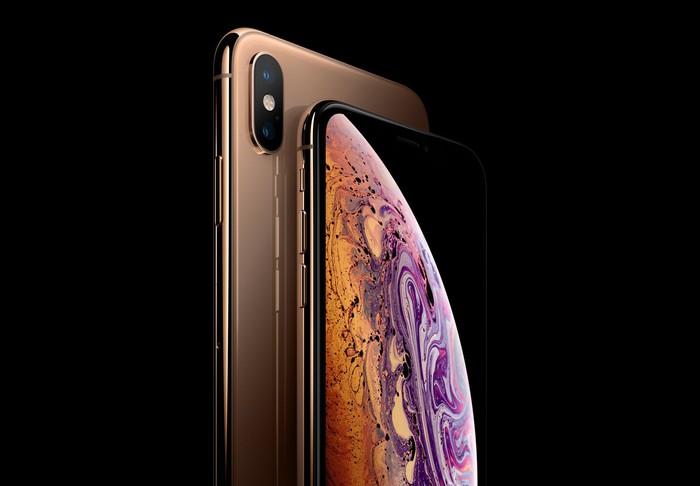 iPhone XS and XS Max side by side.