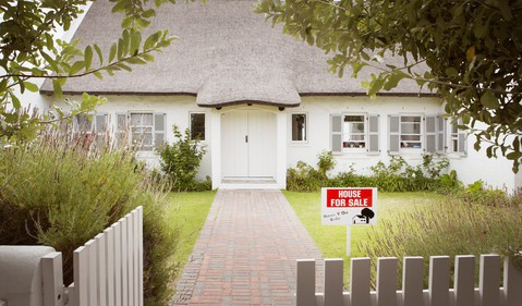 house with for sale sign_GettyImages-74179884