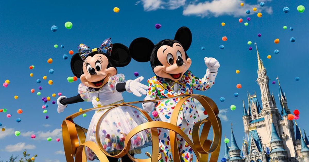 Rivals Will Cash In on Disney World's Last Slow Summer | The