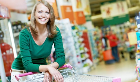 shopping woman cart grocery supermarket warehouse culb big box store source-getty